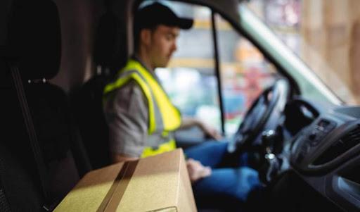 نحوه حمل بسته های پستی توسط شرکت پست