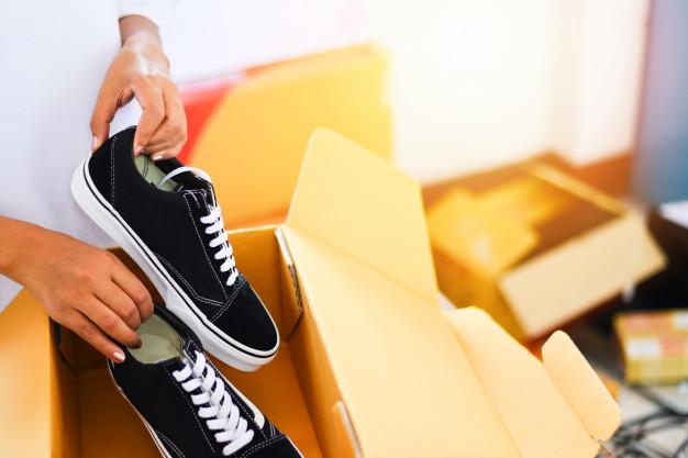 نحوه بسته بندی کفش برای اسباب کشی